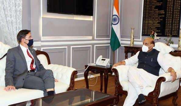 भारत और अमेरिका के रक्षा संबंधों में आयेगी नयी मजबूती: राजनाथ