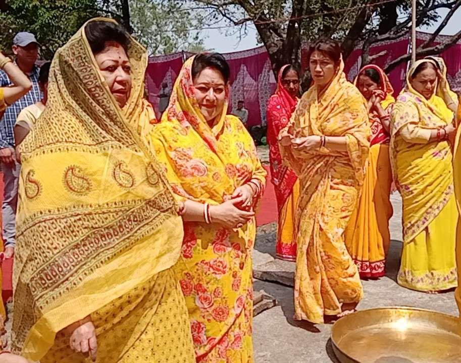 बदरीनाथ धाम राज महल में निकाला गया तिल का तेल 18 मई को खुलने हैं कपाट