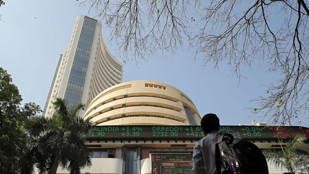 Stock market continues to boom, Sensex rises to 607 points