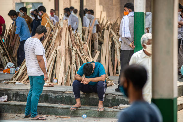 दिल्ली में कोरोना से हालत बिगड़े रिकॉर्ड 448 संक्रमितों ने तोड़ा दम