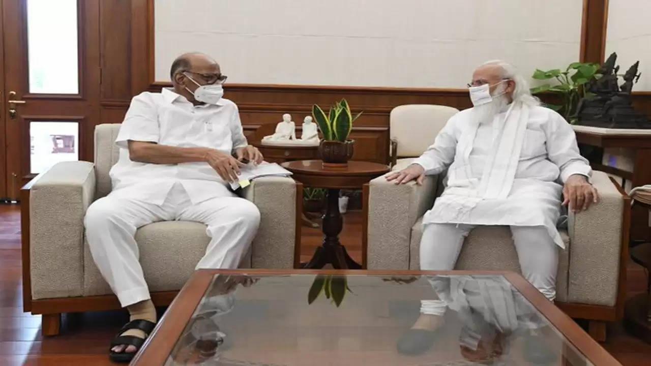 मोदी से मिले पवार, अटकलों का दौर शुरू महाराष्ट्र में राजनीतिक हलचल तेज़