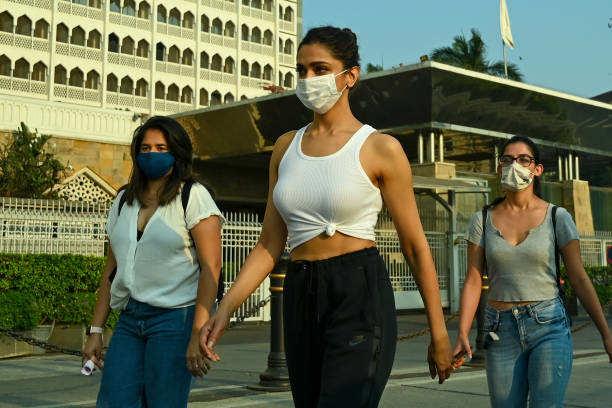 रोहित शेट्टी के निर्देशीत फिल्म 'सर्कस' में एक गाने में 'मीनम्मा' के किरदार में नजर आएंगी दीपिका पादुकोण