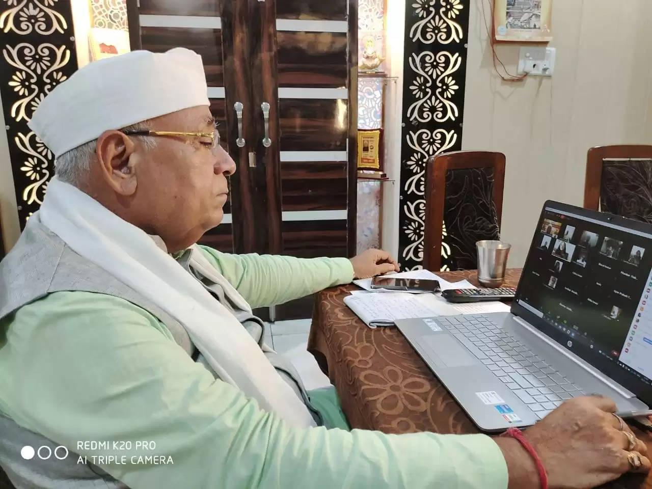 उप्र सिंधी अकादमी सिंधी शिक्षकों को कर रही पुरस्कृत : नानक चंद लखमानी