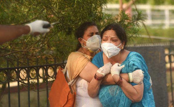 दिल्ली में कोरोना संक्रमण ने रविवार को 407 लोगों की जान ली