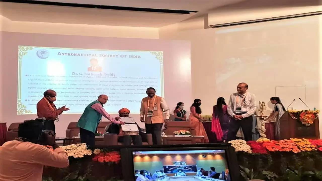 डीआरडीओ अध्यक्ष डॉ. जी सतीश रेड्डी को मिला आर्यभट्ट पुरस्कार