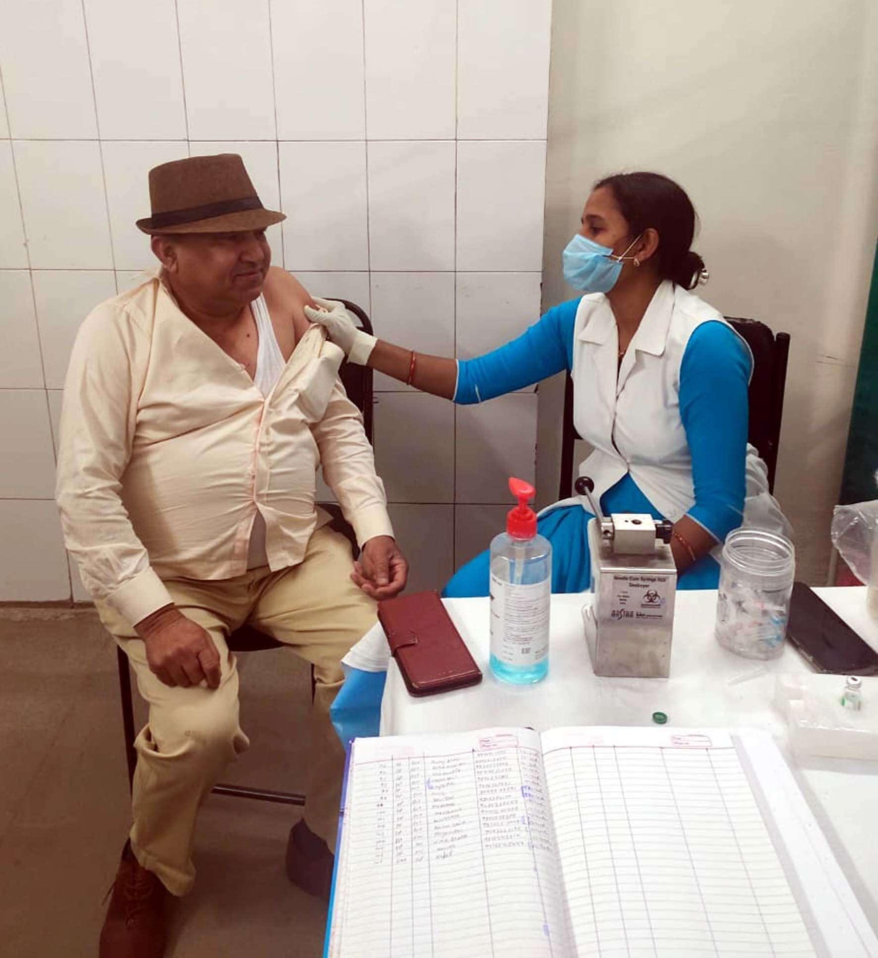 हिसार ज़िले में डेढ़ लाख ने ली कोरोना वैक्सीन की पहली डोज