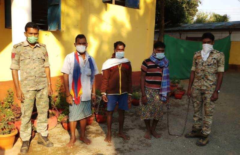 नारायणपुर : बम विस्फोट में शामिल तीन नक्सली गिरफ्तार