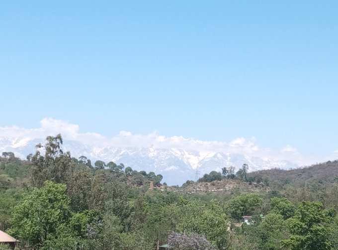 हिमाचल में ऊंचाई वाले इलाकों में बर्फबारी तथा निचले हिस्सों में बारिश
