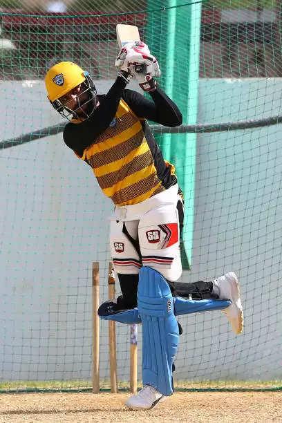 अमेरिकी क्रिकेटर जसकरण मल्होत्रा ने किया छह गेंद में छह छक्के लगाने का कारनामा