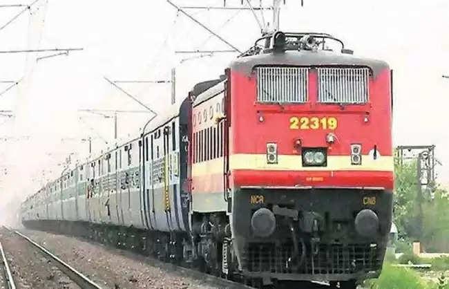पश्चिम रेलवे की 8 जोड़ी स्पेशल ट्रेनें अगली सूचना तक फिर बहाल हुई