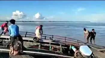 ब्रह्मपुत्र नदी में नाव पलटने की घटना