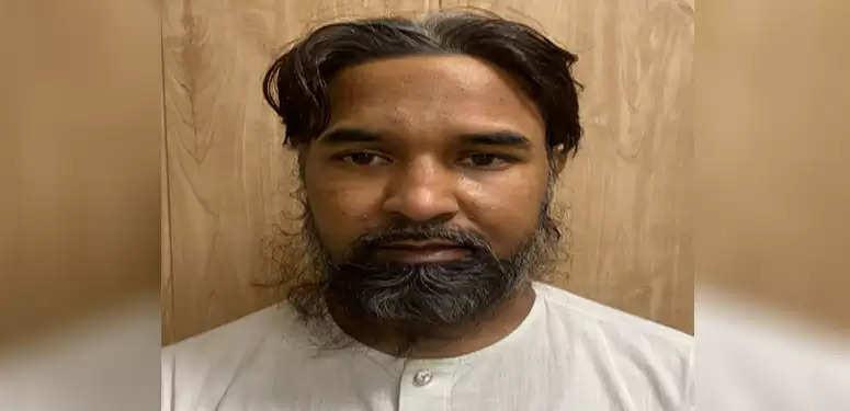 दिल्ली में पाकिस्तानी आतंकवादी गिरफ्तार, एके-47 हैंड ग्रेनेड बरामद