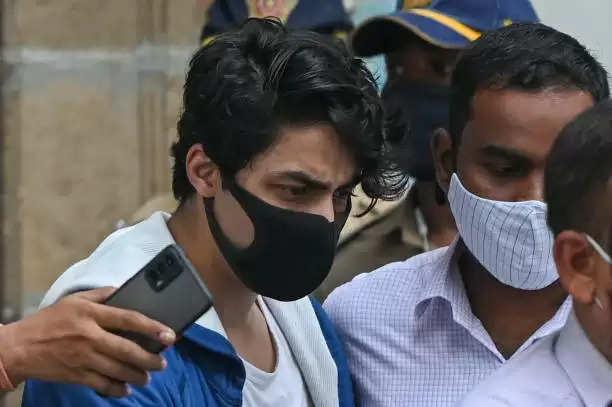 फ़िलहाल जेल में रहेंगे आर्यन खान, आज नहीं मिली जमानत बुधवार को फिर सुनवाई