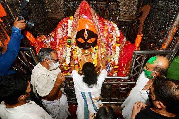 बंगाल में तृणमूल, तमिलनाडु में द्रमुक, केरल में वाम मोर्चा और असम में भाजपा बहुमत की ओर अग्रसर