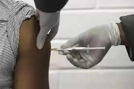 राजकोट : कारोबारियों के लिए टीका लगवाना या कोरोना रिपोर्ट अनिवार्य