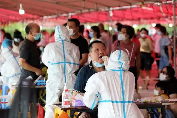 डेल्टा वैरिएंट से चीन में बिगड़े हालात, कोरोना संक्रमण के मामले दो गुना हुए,  रूसी राष्ट्रपति व्लादिमीर पुतिन हुए आइसोलेट
