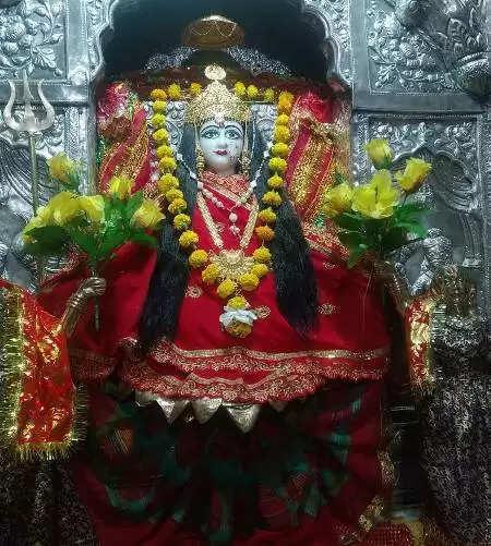 लखनऊ में छाने लगी नवरात्रि की रौनक, शनिवार को होगी तृतीया-चतुर्थी तिथि की एक साथ पूजा