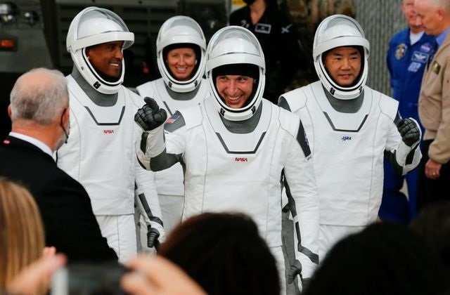 मेक्सिको की खाड़ी में उतरा चार अंतरिक्ष यात्रियों को लेकर आया 'स्पेसएक्स कैप्सूल'
