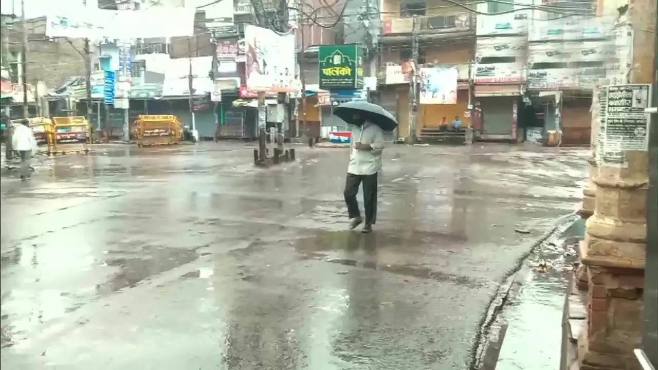 राजधानी लखनऊ समेत राज्य के अन्य हिस्सों में हो रही बरसात
